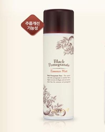 Skinfood Black Pomegranate Essence Mist
